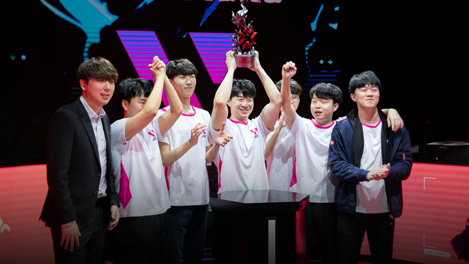 glow retires from professional play and leaves the Korean Valorant giants Vision Strikers